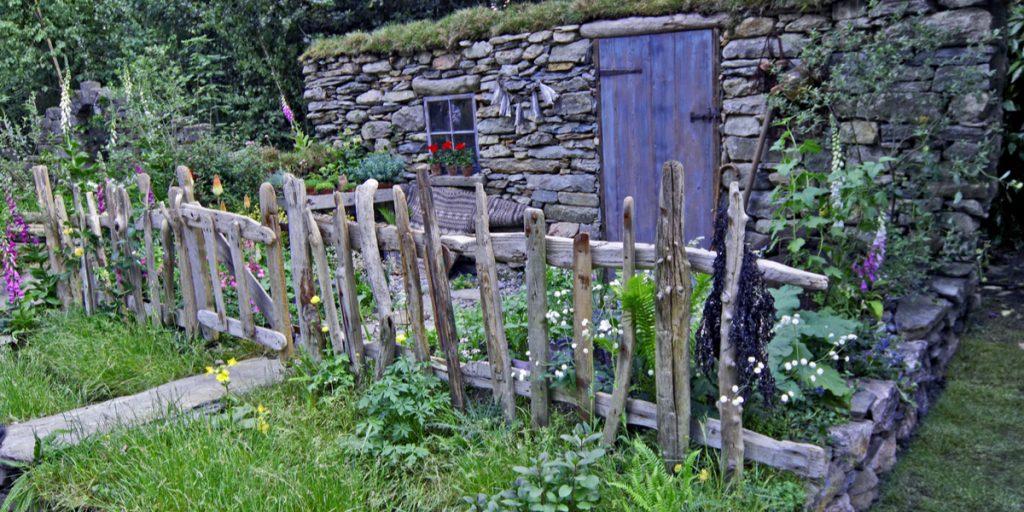 rustic-driftwood-fence