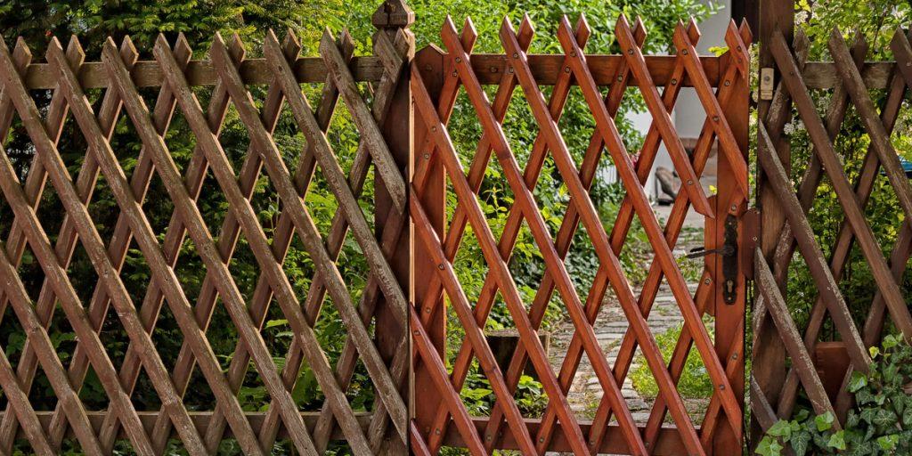 woven-trellis-fencing